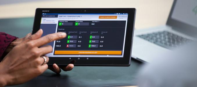 Schneider Electric: EcoStruxure Manufacturing Compliance Advisor: solução inteligente aumenta a rentabilidade do setor
